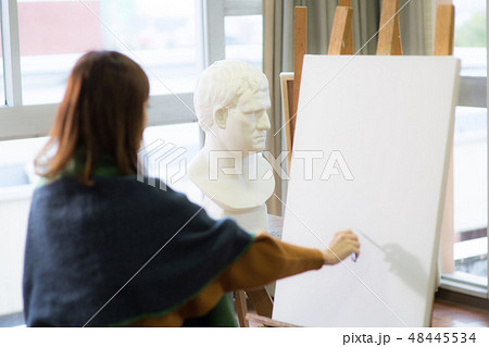 美術アトリエ 石膏デッサン 48445534