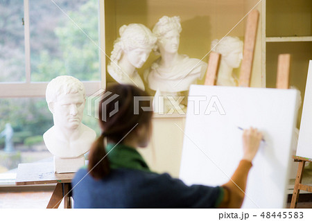 美術アトリエ 石膏デッサン 48445583
