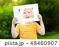 フレーム 子供 女の子の写真 48460907