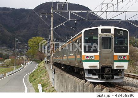 上越線高崎口の211系電車 48466890