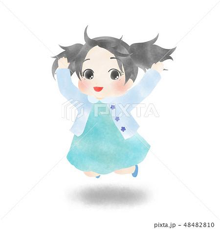 ジャンプしている女の子 48482810