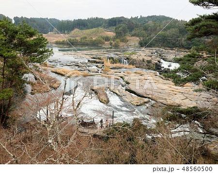 冬の曽木の滝 (鹿児島県伊佐市) 48560500