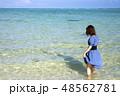 石垣島の明石ビーチの海に立つ女性 48562781