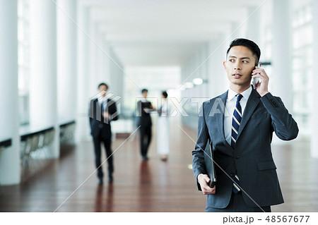 ビジネス オフィス ビジネスマン ミドル キャリア 48567677