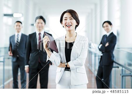 ビジネス オフィス ビジネスマン チーム キャリア 48585115