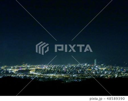 台北の夜景イラスト3 48589390