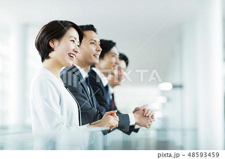 ビジネス オフィス ビジネスマン チーム ミドル 48593459