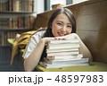女性 本 読書の写真 48597983