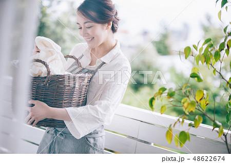 女性 ライフスタイル 洗濯 48622674