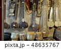 インドの楽器、シタール、タブラ 48635767
