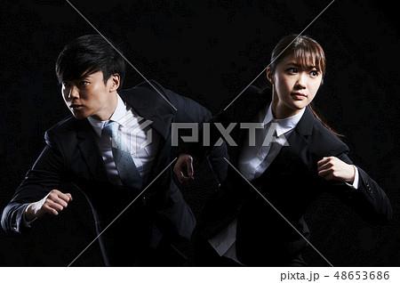 ビジネス 男女 黒バック 48653686