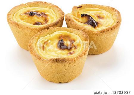 dessert egg tart-sweet custard pie 48702957