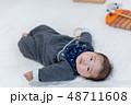 生後3ヵ月の赤ちゃん 48711608