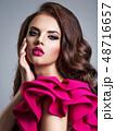 ファッション 流行 女の写真 48716657