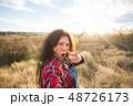 女性 セルフィー 自撮りの写真 48726173