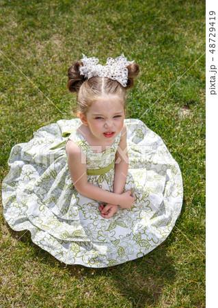 little dissatisfied girl 48729419
