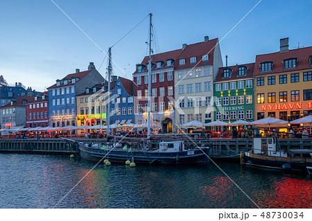Nyhavn in Copenhagen city, Denmark at night 48730034