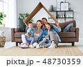 ファミリー 家庭 家族の写真 48730359
