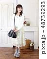 女性 女の子 バッグの写真 48739293