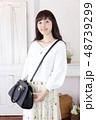 女性 女の子 バッグの写真 48739299