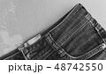 デニム ジーパン 生地 布 白黒 写真 カジュアル インディコ ビンテージ イメージ 背景 素材  48742550