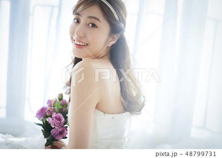 美しい女性 ウエディングポートレート 48799731