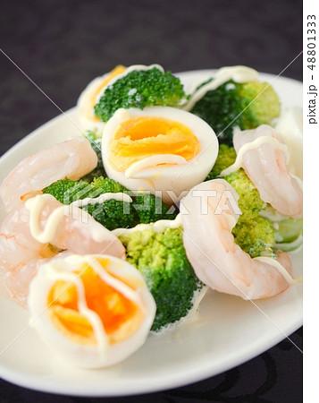 卵 ブロッコリー ゆで