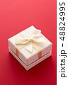 プレゼント ギフト 贈り物の写真 48824995