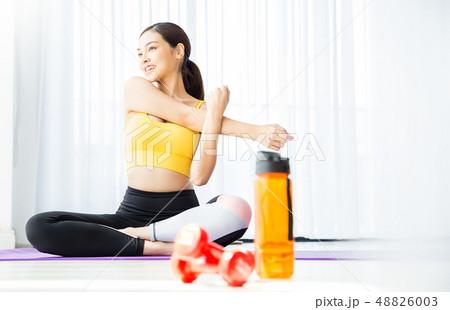 女性 スポーツウェア ヨガ 48826003