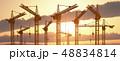 工事クレーン 建設用クレーン 夕日のイラスト 48834814