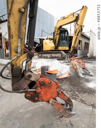 建物の解体工事 48853752