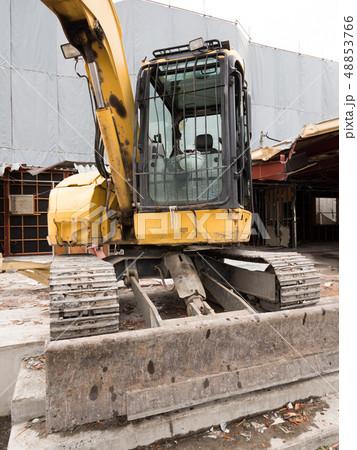 建物の解体工事 48853766