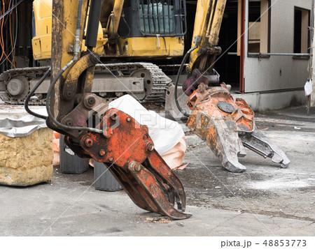 建物の解体工事 48853773