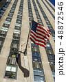 ニューヨークの街並みと星条旗 48872546