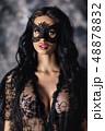 女性 お面 マスクの写真 48878832