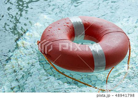 うきわ プール 救命 48941798