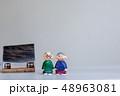 紙粘土 人形 シニアの写真 48963081