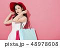 女性 ショッピング 48978608