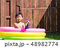男の子 水遊び 子供の写真 48982774