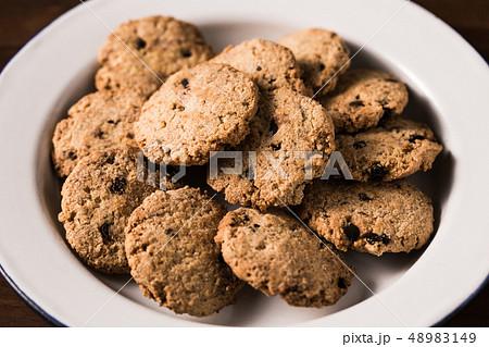 チョコチップクッキー 48983149