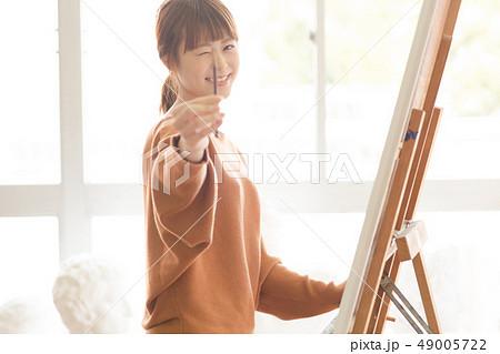 美術アトリエ 人物画 デッサン 49005722