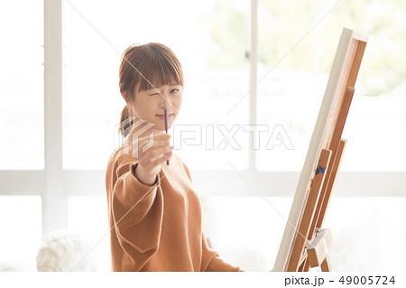 美術アトリエ 人物画 デッサン 49005724