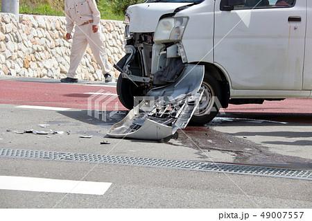 車 事故 傷 へこみ 49007557