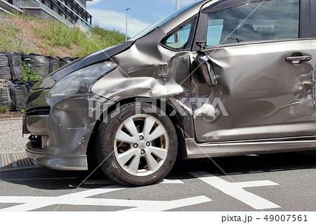車 事故 傷 へこみ 49007561