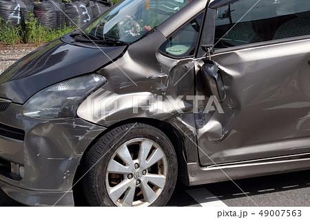 車 事故 傷 へこみ 49007563