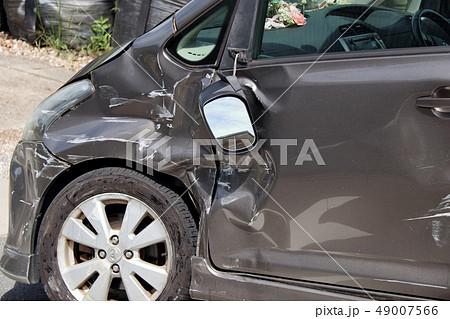 車 事故 傷 へこみ 49007566