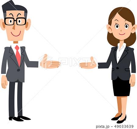 両側で紹介する会社員の男女のセット 49033639