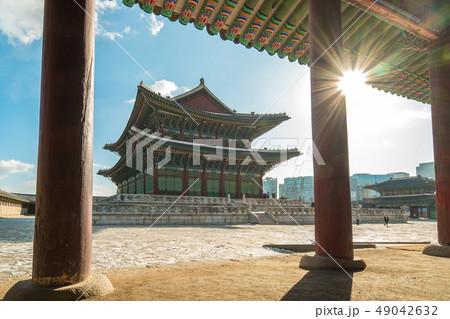 Gyeongbokgung Palace with sun flare in Seoul city, 49042632