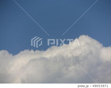 こじま公園での青空と白い雲 49053971