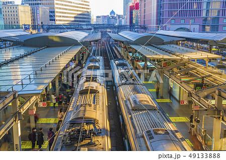 鉄道 通勤時間帯イメージ    49133888